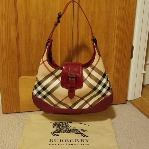 Burberry Handbags - Burberry Beige Canvas Patent Nova Check Brooke 3c4923c69b